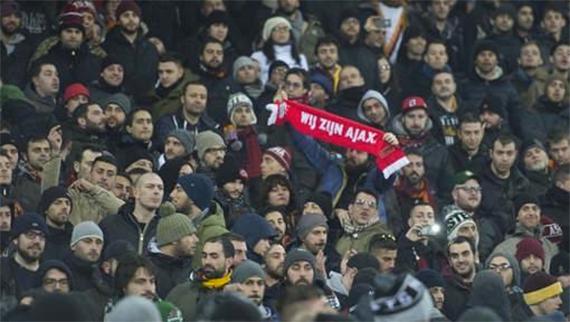 Ajax-fan in de Kuip