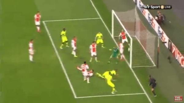 Ajax komt weer op achterstand