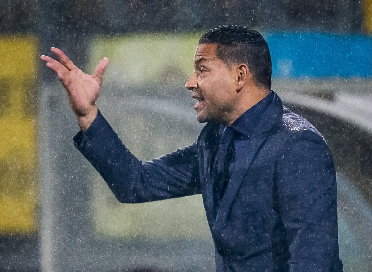ADO-trainer laat speler blessure faken