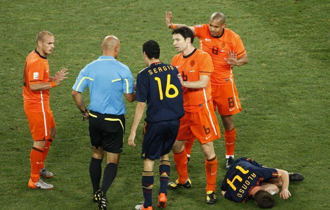 """Webb kraakt De Jong: """"Een strafbaar feit"""""""