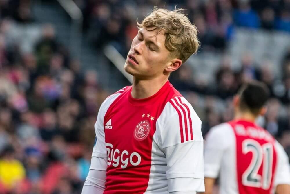 Ajax faalt met niet-speelgerechtigde Fischer