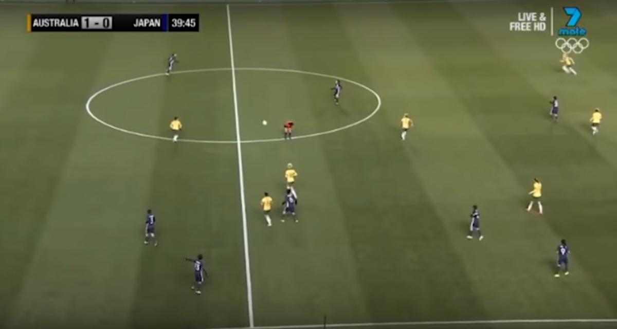 Scheids geeft assist bij goal