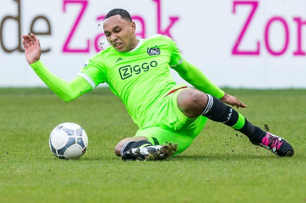 Ajax neemt backs niet mee op trainingskamp