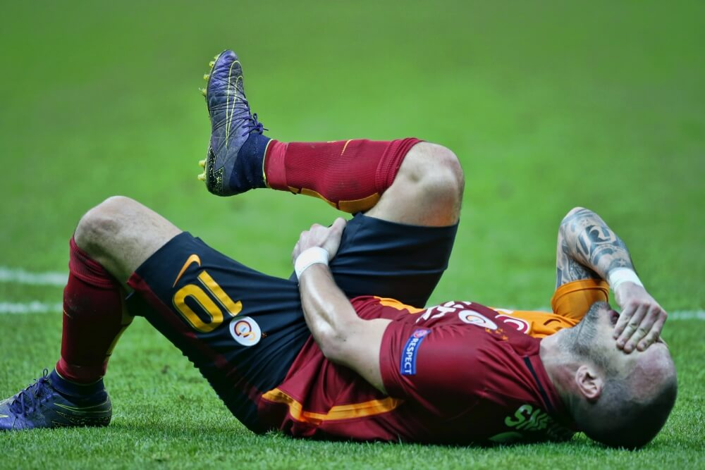 Sneijder nog altijd aan de kant met enkelblessure
