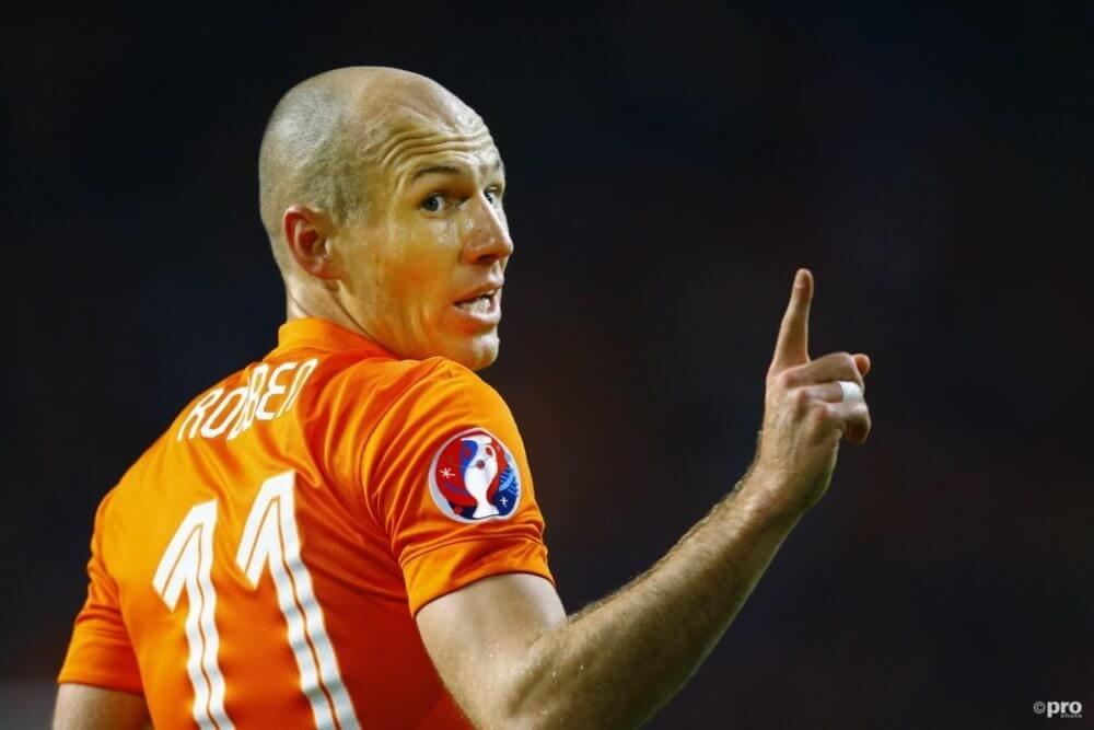 """Robben haalt uit: """"Iedereen van Oranje kijkt uit naar de vakantie"""""""