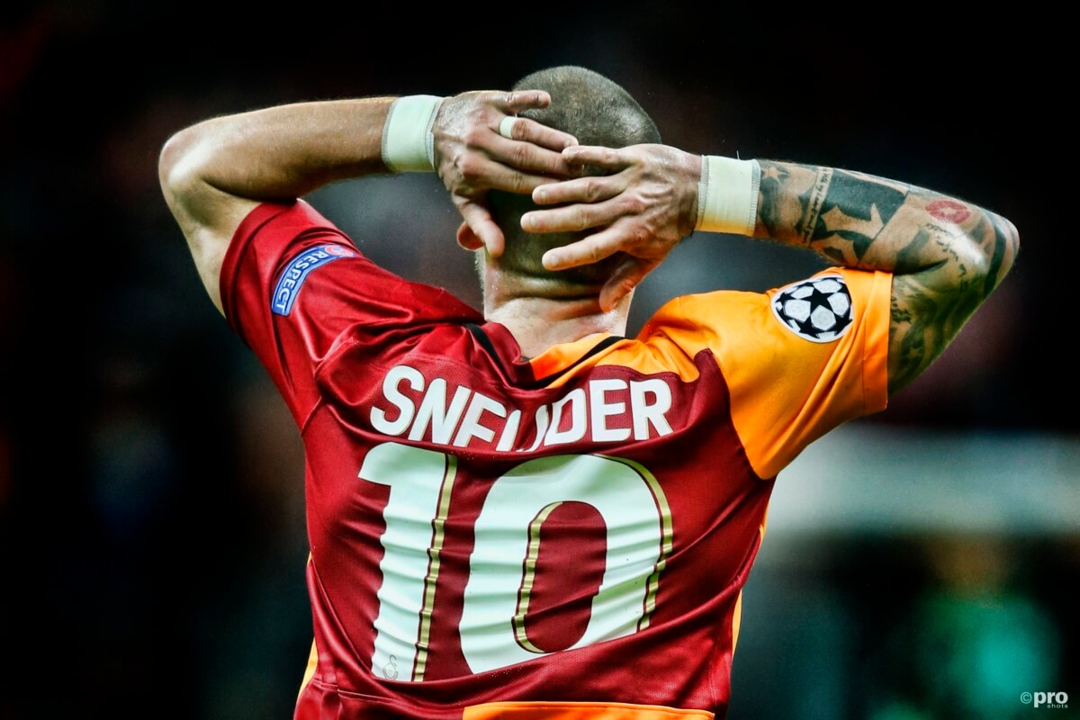 Sneijder krijgt in Frankrijk vertrouwd rugnummer