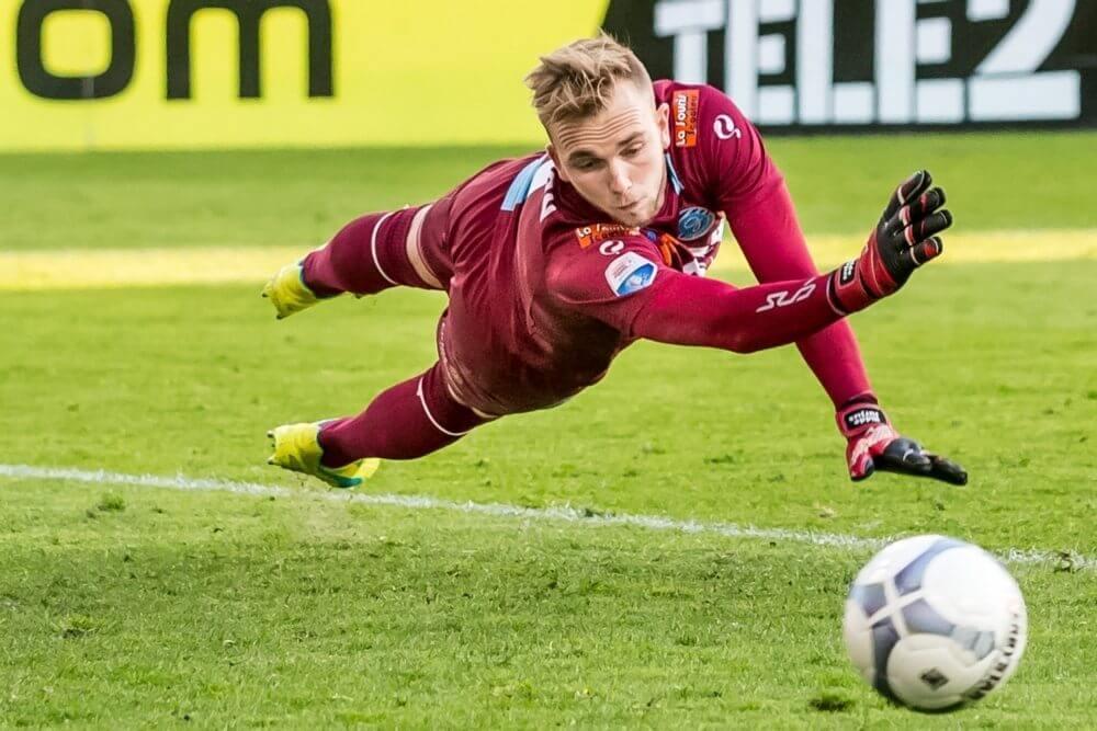 Roda haalt PSV-goalie als vervanger Van Leer
