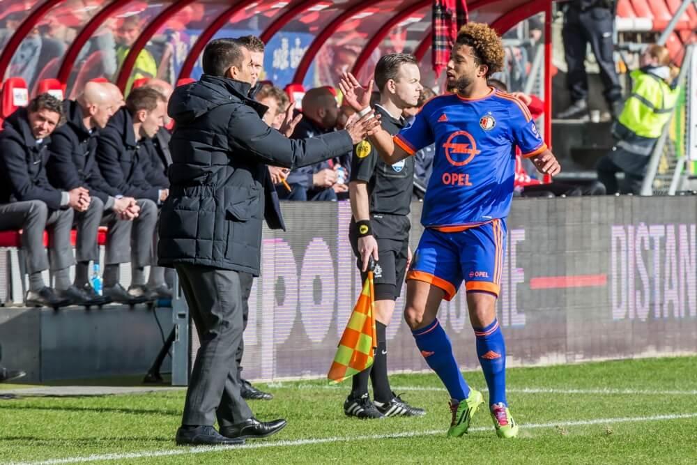 """Van Bronckhorst: """"Hij toont elke wedstrijd zijn wereldklasse"""""""