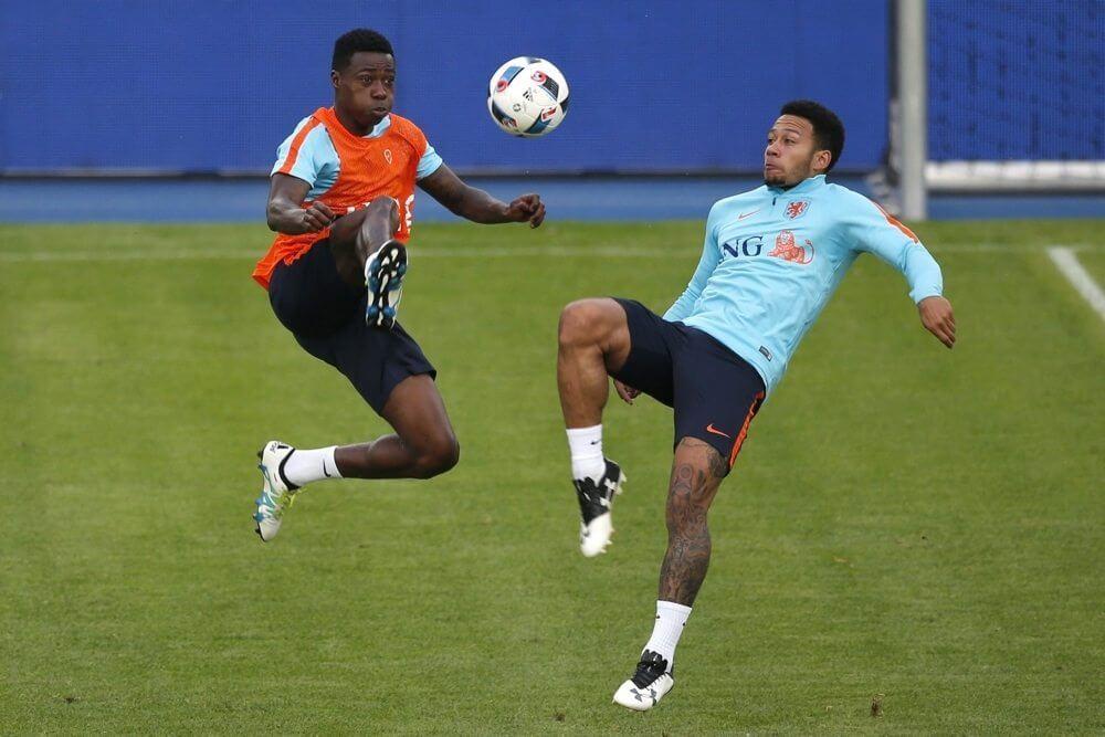 'International tekent toch nieuw contract'