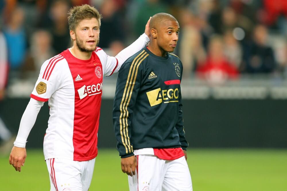 Ajax ontbindt contract middenvelder