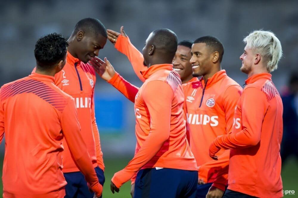 'Twee sterkhouders blijven bij PSV'