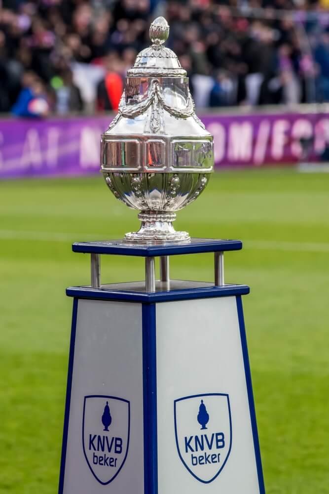 PSV, Feyenoord en Ajax treffen Eredivisie-ploegen