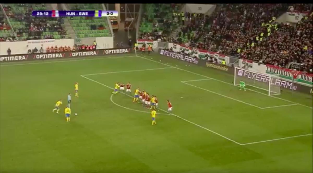 Larsson scoort bij debuut voor Zweden
