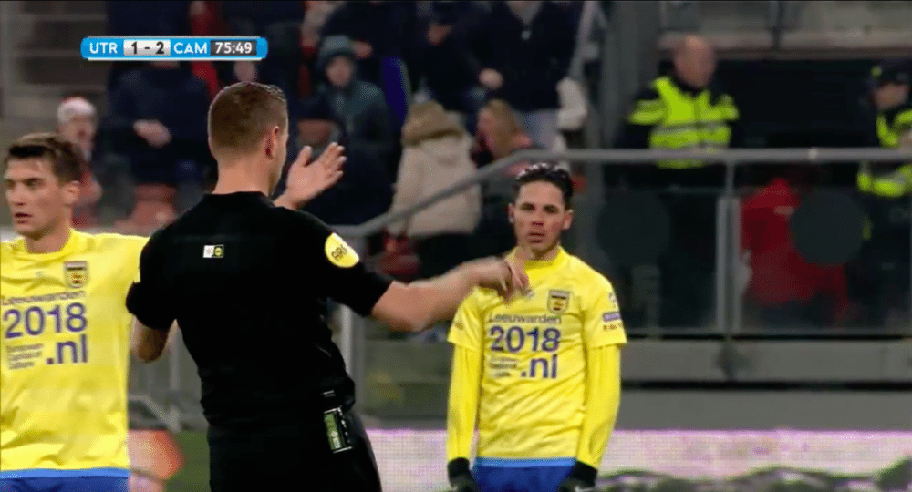 Historie in bekerduel: geen penalty na 'on field review'