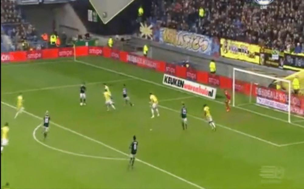 Ajax-aanvoerder zet ploeg op voorsprong