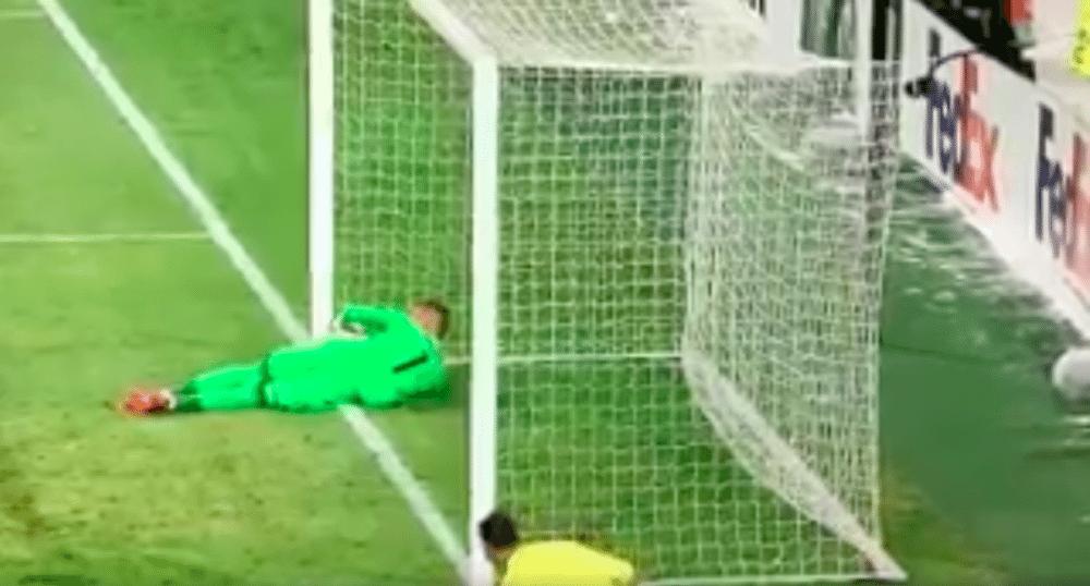 Ajax bestolen van zuiver doelpunt