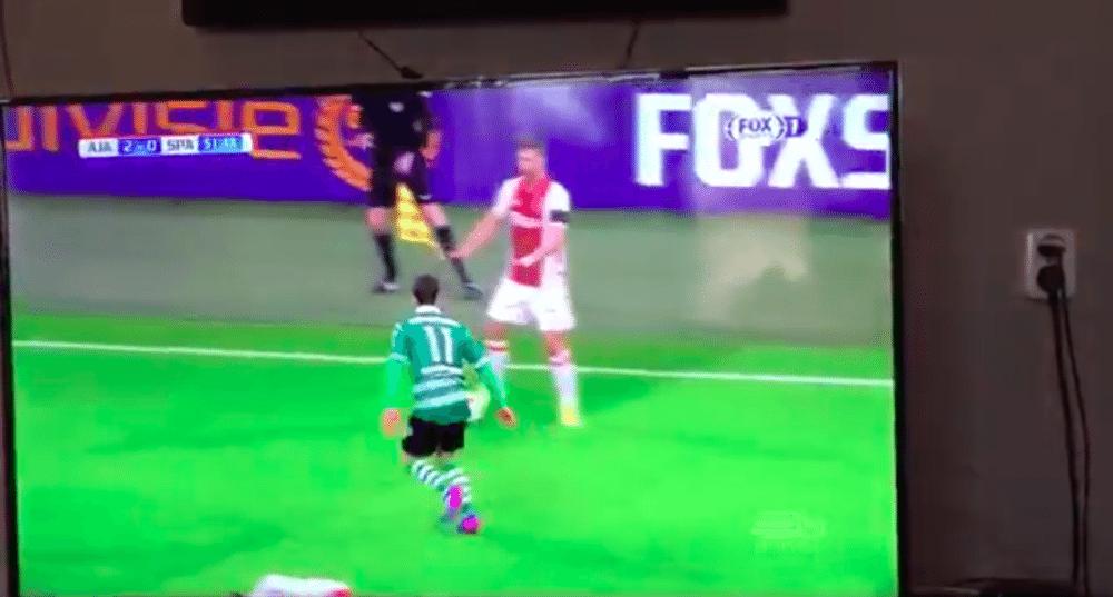Ajax-verdediger haalt gehaaid trucje uit