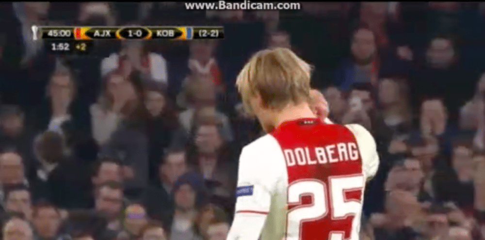 Ajax verdubbelt marge