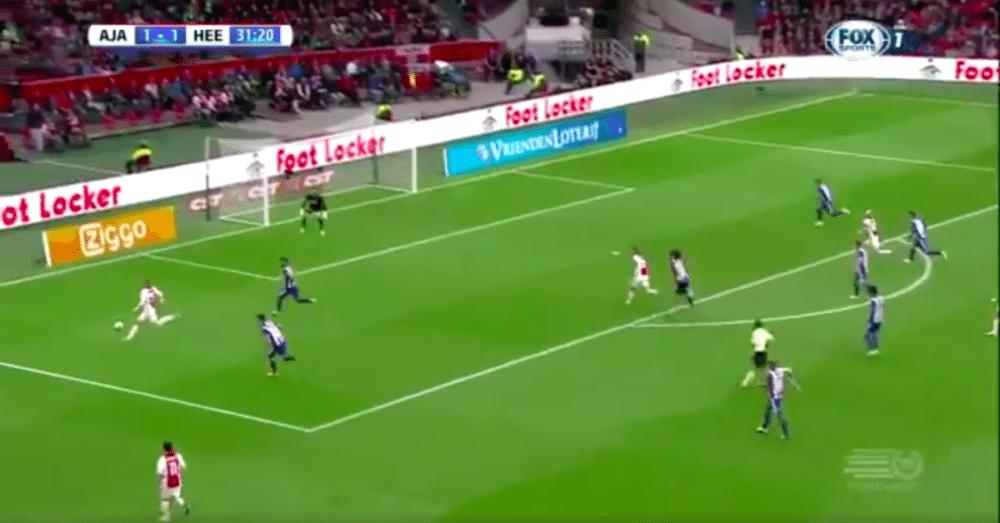 Ajax door talenten op voorsprong