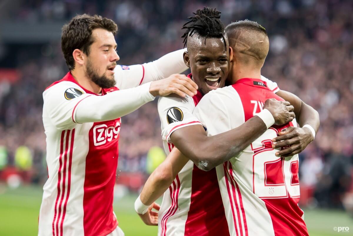 Ajax speelt finale in gloednieuw shirt