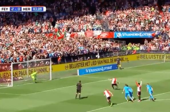 Kuyt bezorgt Feyenoord titel met hattrick