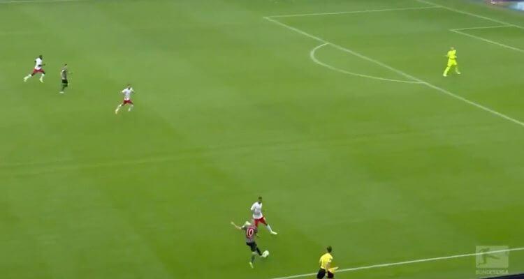Robben slaat weer toe met heerlijk doelpunt