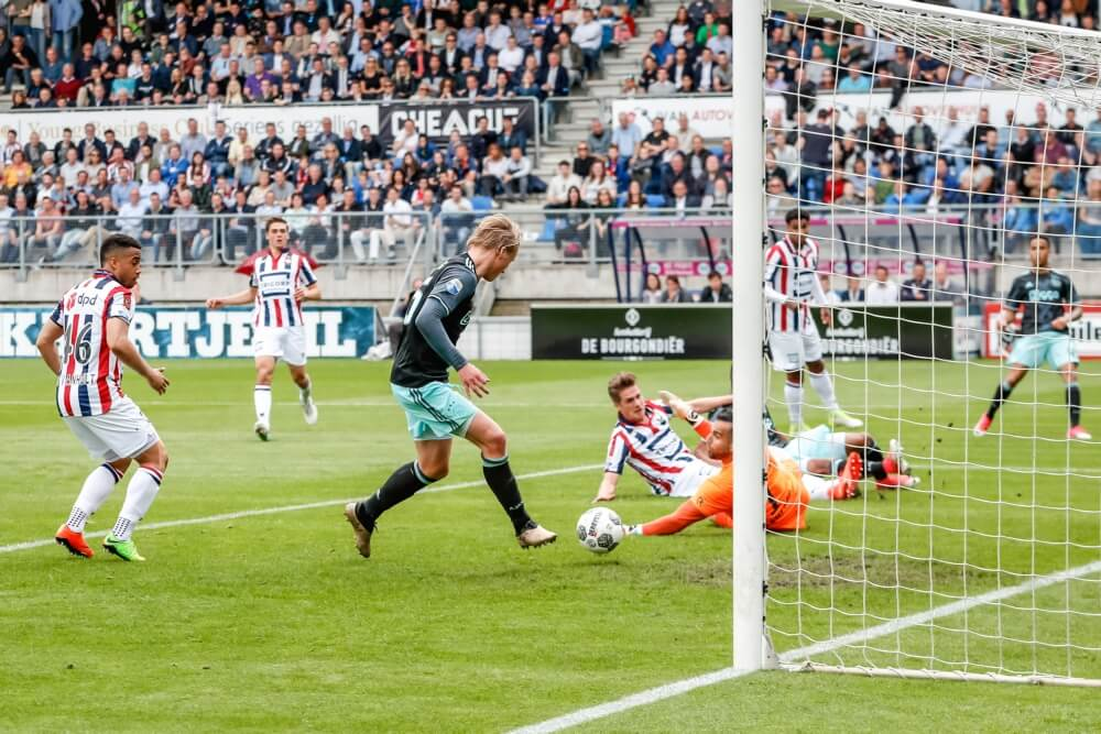 'Ajax haalt opnieuw doelman binnen'