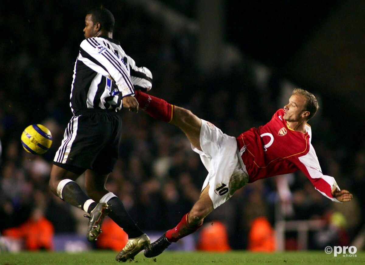 Goal Bergkamp mooiste ooit in Premier League