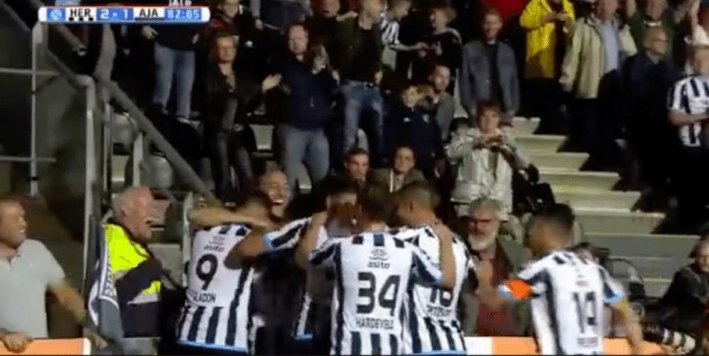 Kuwas doet Ajax pijn met heerlijk doelpunt