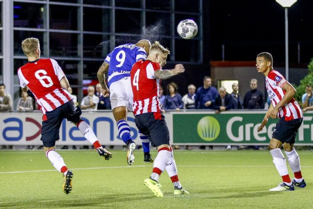 'Lazio aast op PSV'er als Hoedt-vervanger'