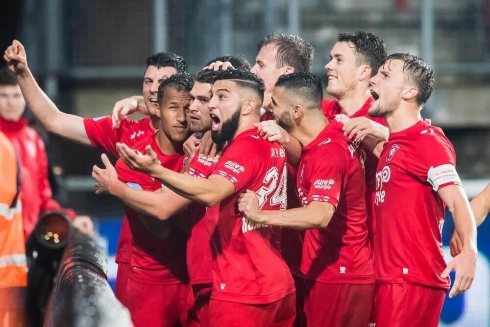 Holla bezorgt Twente drie punten in derby