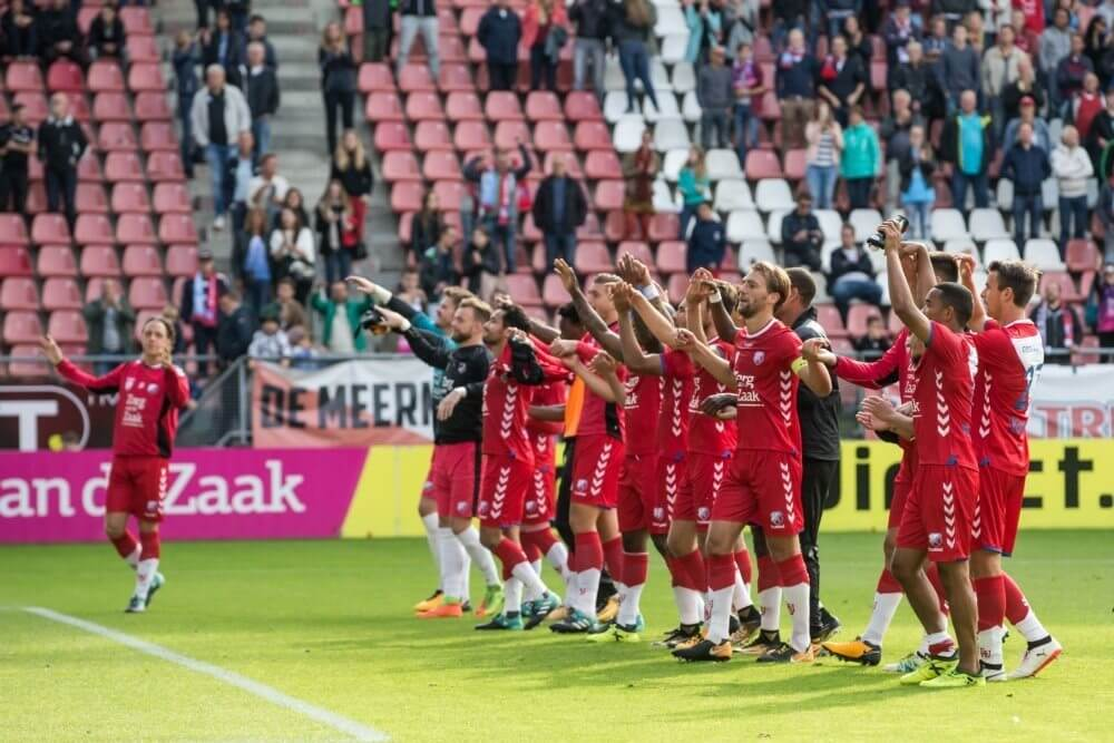 Utrecht wint eenvoudig van kansloos Roda