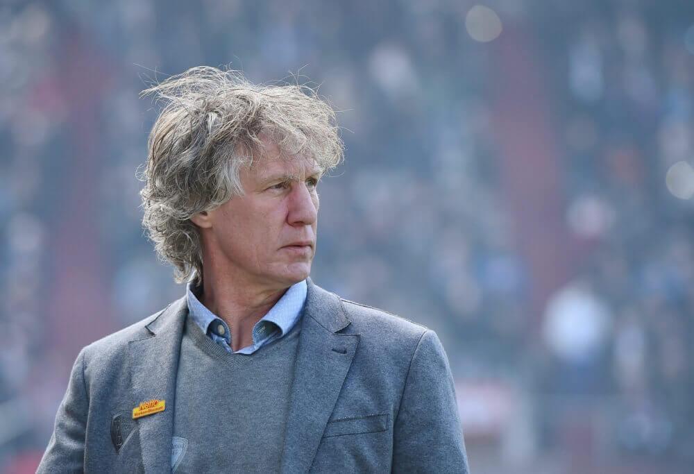 Gertjan Verbeek tekent contract bij Twente