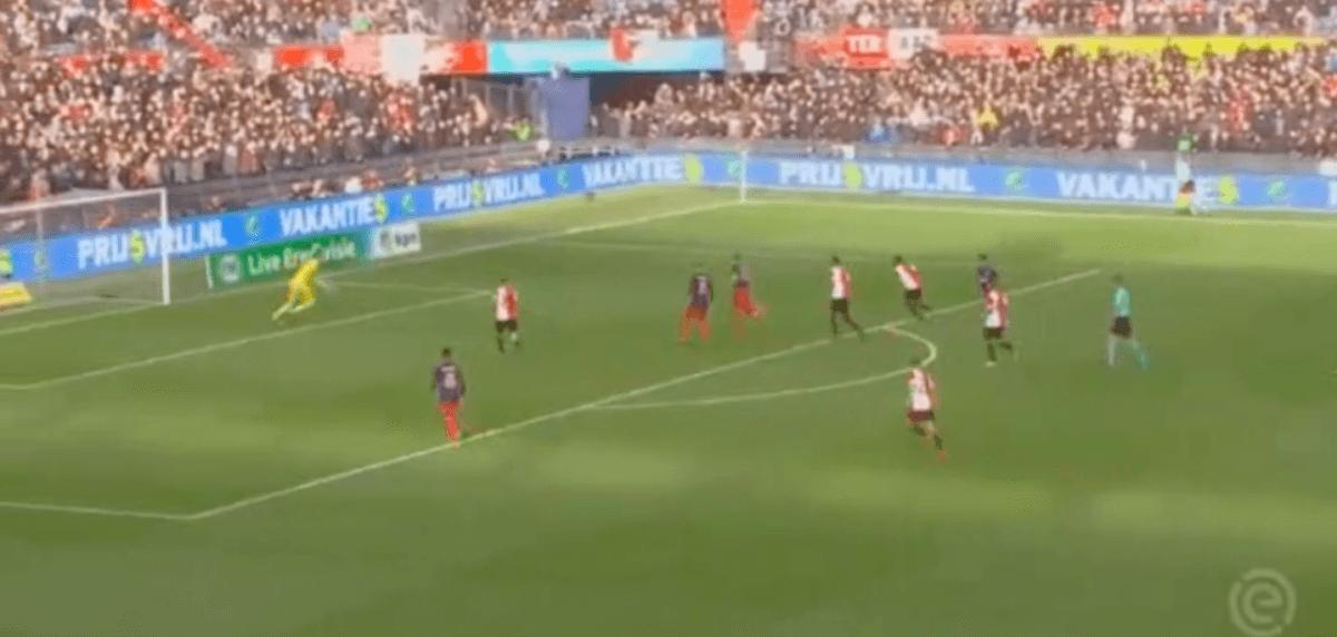 Neres tekent voor derde assist; De Jong beslist Klassieker