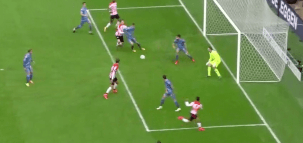 PSV-aanvoerder scoort bevrijdende 2-0