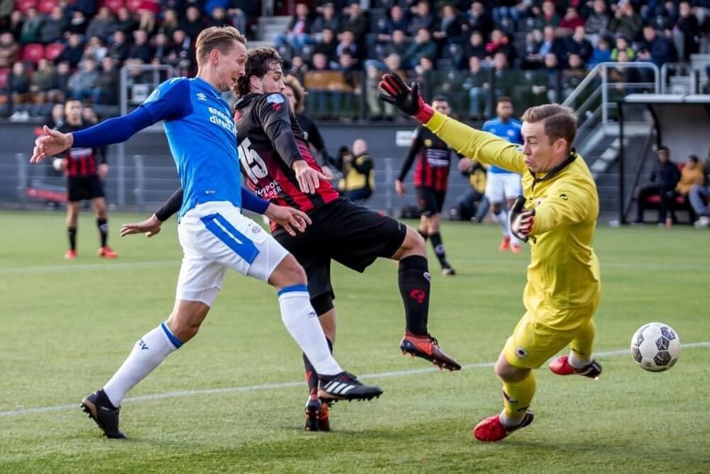 PSV wint moeizaam op bezoek bij Excelsior