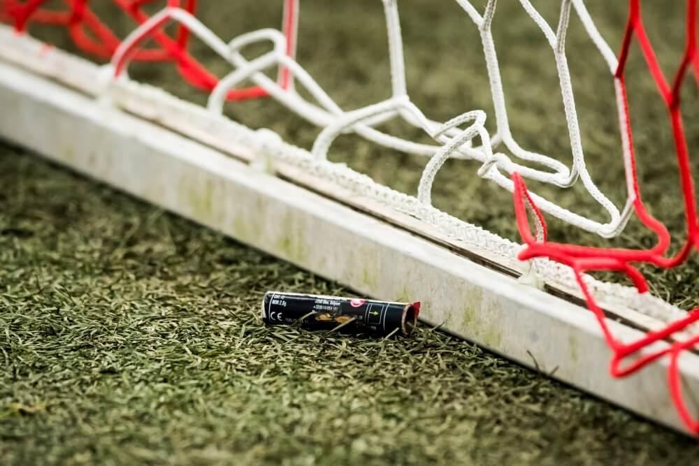 UEFA geeft Ajax flinke boete vanwege vuurwerk