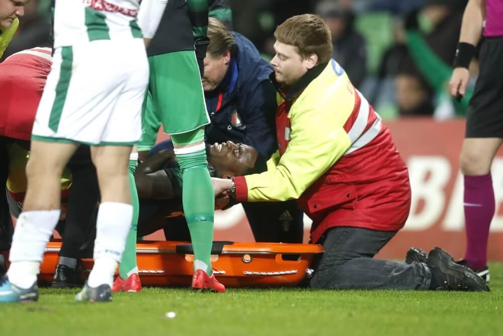 Update: Feyenoord bevestigt blessure mandekker; minimaal zes weken out