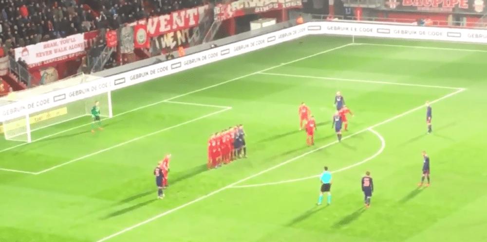 Ajax-middenvelder bewijst waarde: twee rake vrije trappen in vier minuten