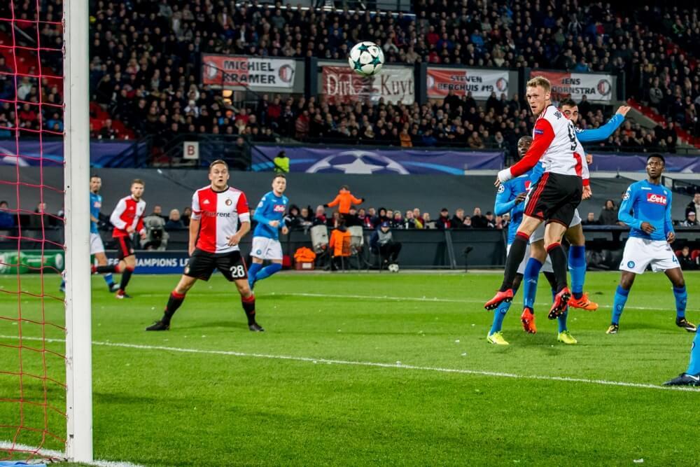 Feyenoord sluit Champions League af met drie punten tegen Napoli