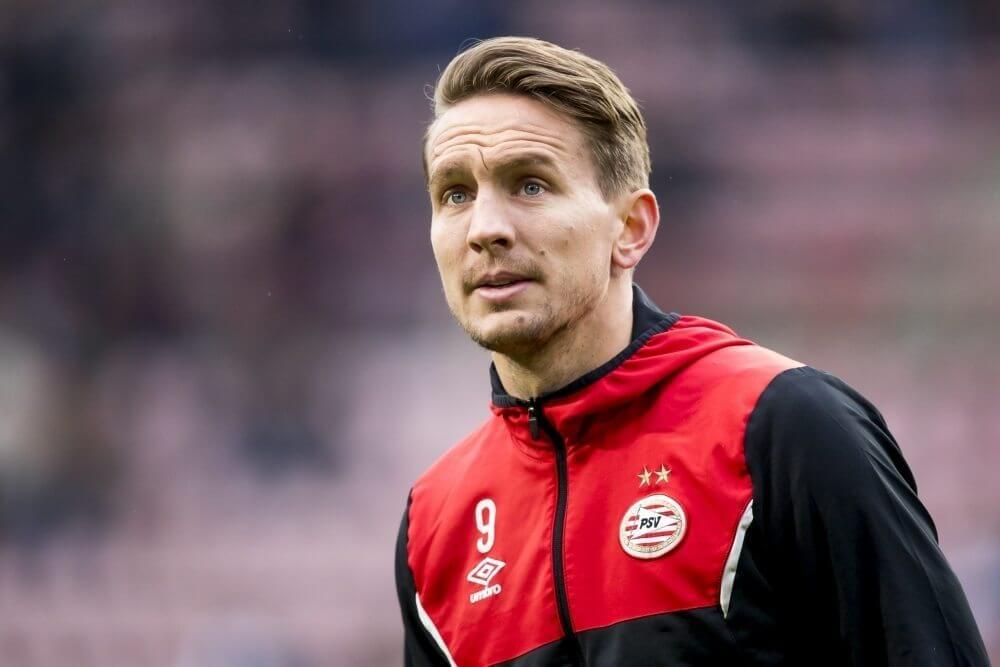 PSV boekt zakelijke overwinning en reist met riante marge af naar Amsterdam
