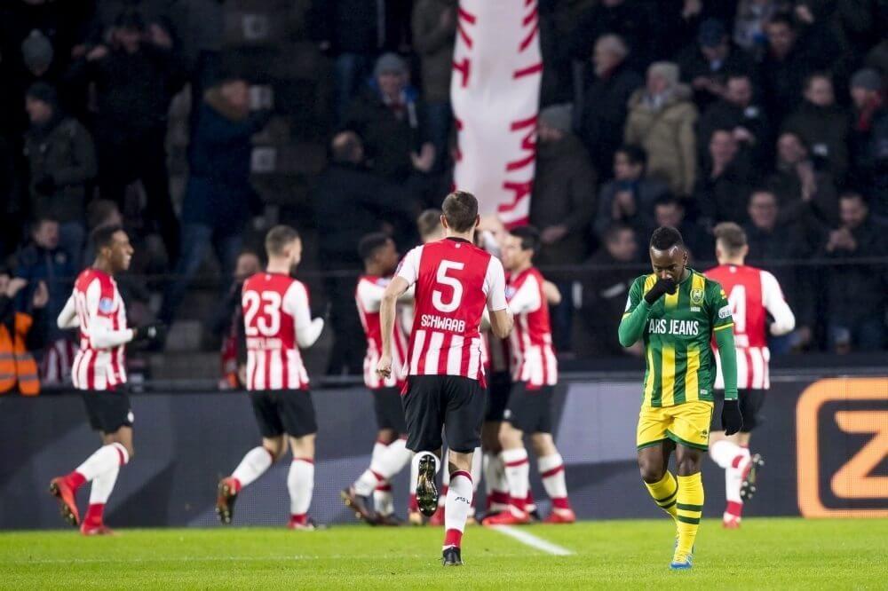 PSV rekent in eerste helft af met ADO; Kuipers zal debuut niet snel vergeten