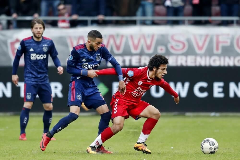 Ajax loopt averij op in jacht op PSV