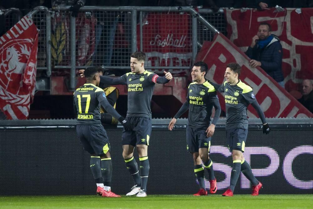 PSV wint moeizaam van FC Twente