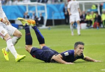 Steenrijke Van Persie levert gigantisch in op salaris bij Feyenoord