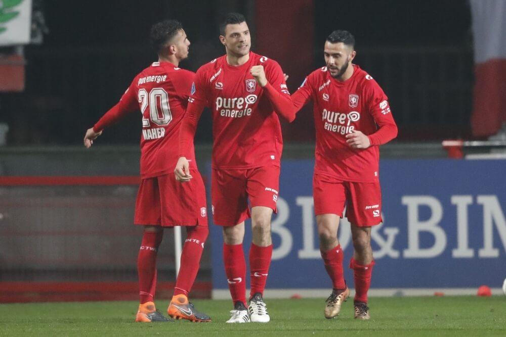 Twente eerste halve finalist dankzij fraaie goals Maher