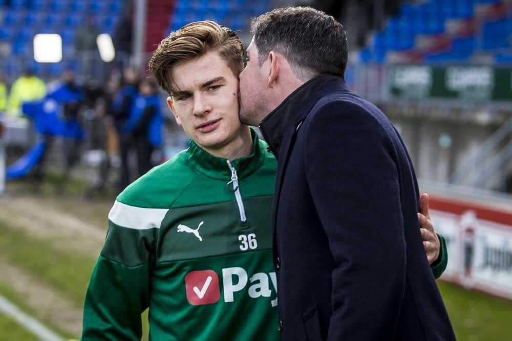 Willem II en FC Groningen delen punten bij speciaal duel voor familie Van de Looi