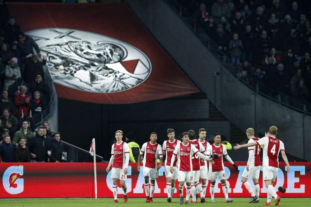 Ajax wint moeizaam van NAC Breda