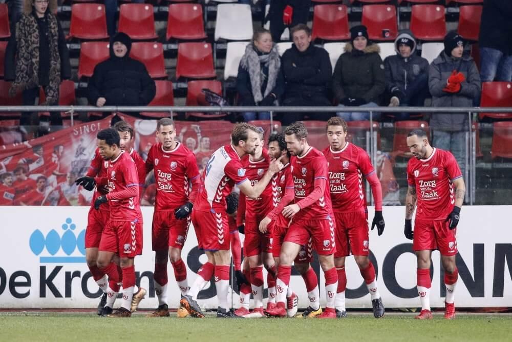 De Jong heeft eerste zege als Utrecht-trainer binnen
