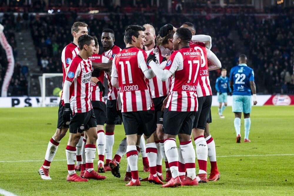PSV verstevigt koppositie met historische overwinning